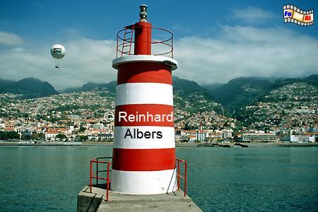 Hafen von Funchal auf Madeira, Leuchtfeuer, Portugal, Madeira, Funchal, Mole, Hafeneinfahrt