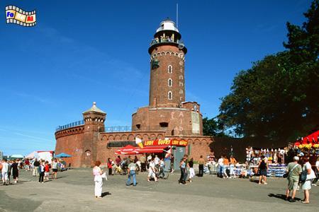 Kołobrzeg (Kolberg) an der polnischen Ostseeküste. Der Leuchtturm ist Teil der Festung an der Mündung der Perseta (Persante) in die Ostsee., Leuchtturm, Polen, Kolobrzeg, Kolberg