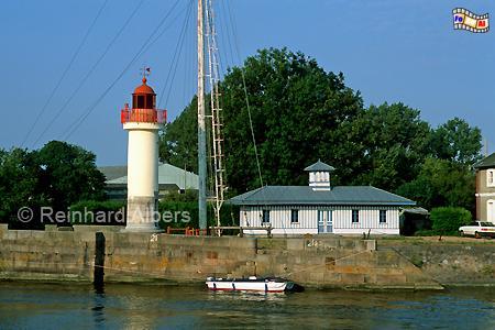 Im Hafen von Honfleur in der Normandie., Leuchtturm, Frankreich, Normandie, Honfleur
