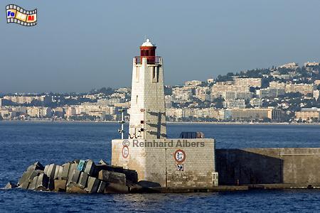 Dieser Leuchtturm markiert die Hafeneinfahrt von Nizza., Leuchtturm, Frankreich, Foto, Nizza