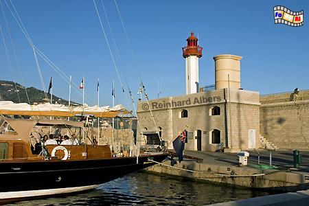 Im Hafen von Menton an der frz. Riveira., Leuchtturm, Frankreich, Menton, Foto, Albers, foreal