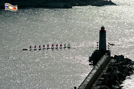Hafeneinfahrt von Nizza an der frz. Riveira, Leuchtturm, Frankreich, Foto, Nizza