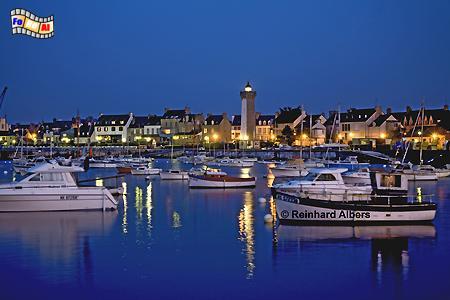 Bretagne: Roscoff zur blauen Stunde, Leuchtturm, Frankreich, Bretagne, Roscoff, Foto, foreal, Albers