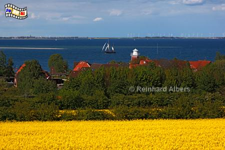 Blick auf Strandhusen bei Heiligenhafen, Leuchtturm, Deutschland, Schleswig-Holstein, Ostseeküste, Strandhusen, foreal, Albers,