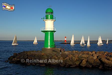 Warnemünde Molenfeuer (West), Leuchtturm, Lighthouse, Phare, Mecklenburg, Warnemünde, Molenfeuer, foreal, Albers, Foto,