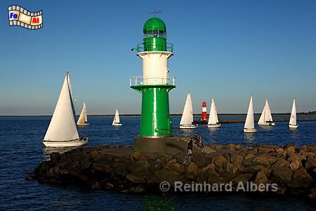 Warnemünde in Mecklenburg-Vorpommern - westliches Molenfeuer., Leuchtturm, Lighthouse, Phare, Mecklenburg, Warnemünde, Molenfeuer, foreal, Albers, Foto,