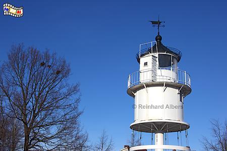 Die Laterne vom ehemaligen Leuchtturm Kiel Friedrichsort steht heute auf dem Heinrich-Rixen-Platz als Denkmal., Leuchtturm, Deutschland, Schleswig-Holstein, Ostseeküste, Kieler Förde, Kiel, Friedrichsort, Foto, foreal, Albers,