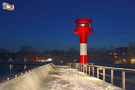 Winterabend im Hafen von Eckernförde mit Leuchtturm., Leuchtturm, Phare, Lighthouse, Eckernförde, Ostsee, Foto, foreal, Albers,
