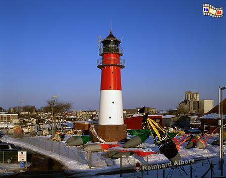 Büsum - Leuchtturm direkt hinterm Deich., Leuchtturm, Lighthouse, Phare, Deutschland, Schleswig-Holstein, Nordseeküste, Büsum, Hafen