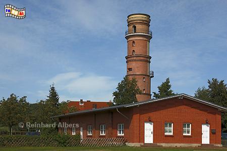 Travemünde - Der gemauerte Leuchtturm aus dem Jahr 1539 hat eine Höhe von 31 m., Leuchtturm, Lighthouse, Phare, Travemünde, Ostseeküste, Lübeck, foreal, Foto, Albers,