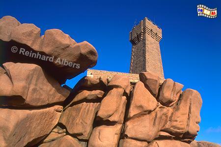 Ploumanac'h (bretonisch: Men Ruz) an der Nordküste der Bretagne., Leuchtturm, Frankreich, Bretagne, Ploumanach, Granit rose, Albers, Foto, foreal, Men, Ruz,