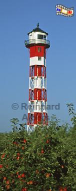 Das Oberfeuer Somfletherwisch steht im Alten Land mitten in einer Apfelplantage, Leuchtturm, Deutschland, Niedersachsen, Altes Land, Elbe, Borstel