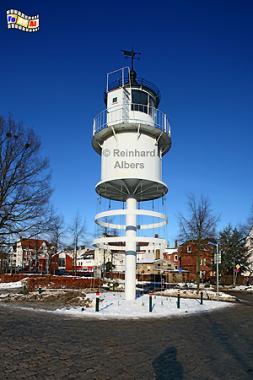 Die Laterne des ehemaligen Leuchtturms steht heute auf dem Heinrich-Rixen-Platz in Kiel-Friedrichsort., Leuchtturm, Lighthouse, Phare, Kiel, Friedrichsort, Förde, Albers, Foto, foreal,