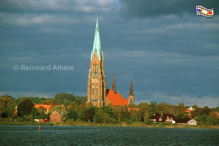 Schleswig: Dom St. Petri mit den höchsten Kirchturm (112 m) in Schleswig-Holstein., Schleswig-Holstein, Schleswig, Dom, Schlei, Albers, Foto, foreal,