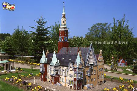 Mini-Born-Park in Owschlag - Rathaus Breslau, Schleswig-Holstein, Owschlag, mini-Born, Breslau, Rathaus, Foto, foreal, Albers,