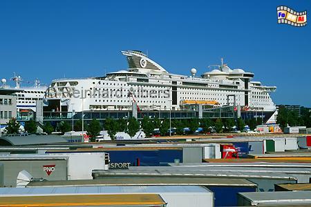 Kiel, Norwegenkai - Die Color Fantasy fährt von Kiel in die norwegische Hauptstadt Oslo., Kiel, Fährschiff, Color Fantasy, Norwegenkai