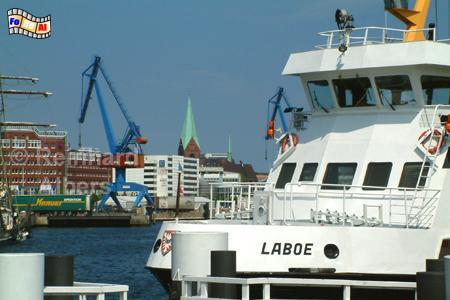 Kieler Hafen mit Fördedampfer, Kiel, Hafen, Förde, Hörn, Bahnhofsbrücke, Fördedampfer, Albers, foto, foreal,