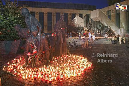 Jahrestag am Denkmal für den Beginn des Warschauer Aufstandes am 1. August 1944., Polen, Polska, Warschau, Warszawa, Aufstand 1944, Denkmal, Jahrestag, Foto, foreal, Albers