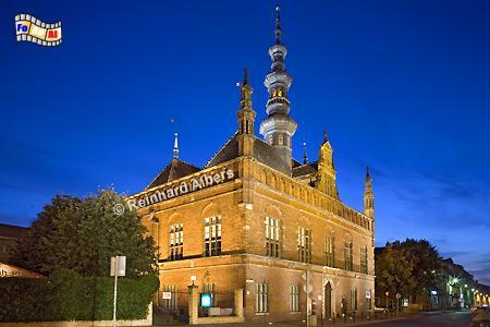 Das Rathaus der früher selbständigen Altstadt wurde 1587-95 nach einem Entwurf von Anton von Obbergen im Stil des niederländischen Manierismus erbaut., Polen, Danzig, Gdańsk, Altstadt, Obbergen, Rathaus, Manierismus, Albers, Foto, foreal