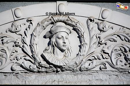 Fassadenverzierung an einem Haus in der Kohlengasse (Węglarska)., Polen, Danzig, Gdańsk, Rechtstadt, Kohlengasse, Węglarska,Albers, Foto, foreal