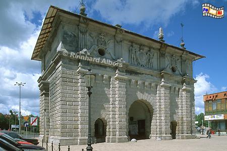 Das Hohe Tor war ursprünglich ein Backsteinbauwerk, das 1586 von dem Architekten Wilhelm van dem Blocke ein reich verzierte Sandsteinverblendung erhielt., Polen, Danzig, Gdańsk, Rechtstadt, Hohes Tor, Albers, Foto, foreal