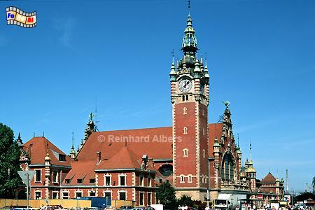 Hauptbahnhof (Dworzec Główny). Das 1894-1900 errichtete Bauwerk verbindet gotische Formen und mit den typischen Elementen des Danziger Manierismus., Polen, Danzig, Gdańsk, Hauptbahnhof, Bahnhof, Dworzec , Albers, Foto, foreal