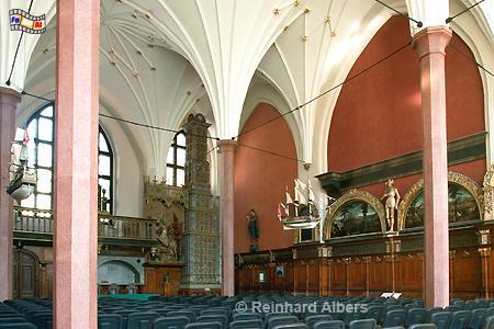 Dwór Artusa (Artushof) - 450 m² große dreischiffige Prachthalle diente früher den Kaufleuten der Stadt als Versammlungsstätte., Polen, Danzig, Gdańsk, Dwór, Artusa, Artushof, Albers, Foto, foreal