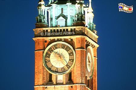 Die große Uhr am Rathausturm stammt aus dem Jahr 1561., Polen, Danzig, Gdańsk, Długi, Targ, Langer, Markt, Ratusz, Rathaus, Rechtstadt, Albers, Foto, foreal