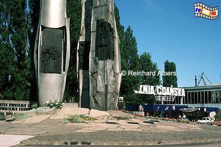 Denkmal zur Erinnerung an die im Dezember 1970 bei Demonstrationen von der Miliz erschossenen Werftarbeiter., Polen, Danzig, Gdańsk, Werftarbeiter, Denkmal, Solidarność , Albers, Foto, foreal