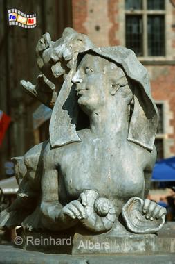 Figurenschmuck am Fontana Neptuna (Neptunbrunnen) auf dem  Długi Targ (Langen Markt). Die Figuren fertigte Johann Karl Stender in den Jahren 1757-61 im Rahmen einer Umgestaltung des Brunnens im Stil des Rokokos., Polen, Danzig, Gdańsk, Neptunbrunnen, Langer, Markt, Długi, Targ, Blocke, Albers, Foto, foreal