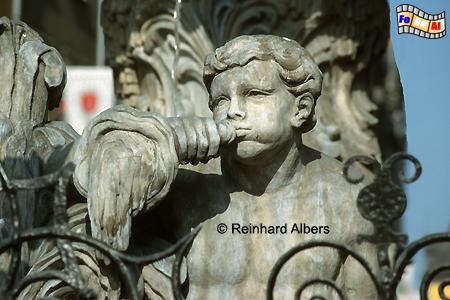 Figurenschmuck am Fontana Neptuna (Neptunbrunnen) auf dem  Długi Targ (Langen Markt). , Polen, Danzig, Gdańsk, Neptunbrunnen, Langer, Markt, Długi, Targ, Blocke, Albers, Foto, foreal