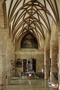 Die Brigittenkriche in der Altstadt mit einer überwiegend modernen Innenausstattung, Polen, Danzig, Gdańsk, Altstadt, Brigittenkirche, Albers, Foto, foreal