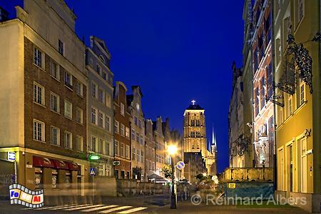 Ulica Piwna (Jopengasse) mit Blick auf die Marienkirche., Polen, Danzig, Gdańsk, Piwna, Jopengasse, Marienkirche, Albers, Foto, foreal