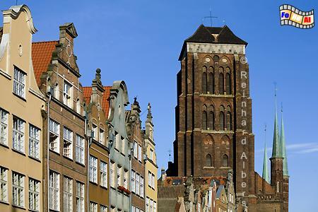Blick durch die Ulica Piwna (Jopengasse) auf die Marienkirche., Polen, Danzig, Gdańsk, Rechtstadt, Marienkirche, Kościól, Mariacki. Albers, Foto, foreal