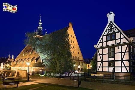 Die Große Mühle in der Danziger Altsatdt und das Haus des Müllers rechts im Bild., Polen, Danzig, Gdańsk, Altstadt, Große Mühle, Radaune, Albers, Foto, foreal
