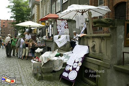 In der Ulica Mariacka (Frauengasse)  findet der Besucher zahlreiche Stände mit Kunsthandwerk., Polen, Danzig, Gdańsk, Rechtstadt, Frauengasse, Ulica, Mariacka, Albers, Foto, foreal
