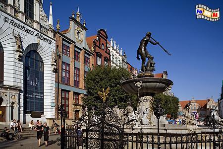 Długi Targ (Langer Markt). Der Neptunbrunnen vor dem Artushof., Polen, Danzig, Gdańsk, Długi, Targ, Langer, Markt, Rechtstadt, Neptunbrunnen, Fontana, Albers, Foto, foreal