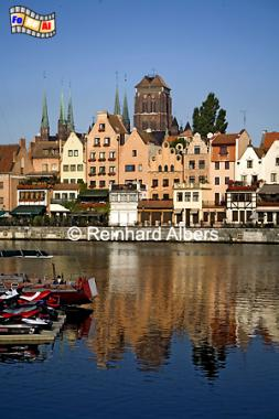 Gdańsk (Danzig) - Długi Pobrzeże (Lange Brücke) - Mottlau-Ufer mit Blick auf die Marienkirche., Polen, Danzig, Gdańsk, Lange Brücke, Długi, Pobrzeże, Motlawa, Mottlau, Albers, Foto, foreal