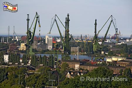 Gdańsk (Danzig) - Hafenkräne, Polen, Danzig, Gdańsk, Werft, Kräne, Albers, Foto, foreal