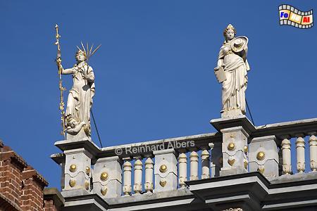 Allegorische Figuren auf dem Goldenen Tor, Polen, Danzig, Gdańsk, Rechtstadt, Ulica Długa, Langgasse, Goldenes Tor, Brama, Albers, Foto, foreal