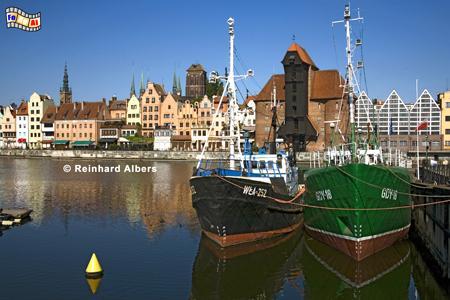 Gdańsk (Danzig) - Das Krantor aus dem Jahr 1444 beherbergt heute das Schifffahrtsmuseum., Polen, Danzig, Gdańsk, Lange Brücke, Długi, Pobrzeże, Krantor, Mottlau, Albers, Foto, foreal