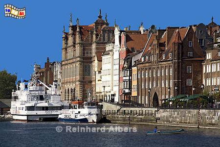 Gdańsk (Danzig) - Długi Pobrzeże (Lange Brücke). Grünes Tor im Hintergrund., Polen, Danzig, Gdańsk, Lange Brücke, Długi, Pobrzeże, Grünes Tor, Mottlau, Albers, Foto, foreal