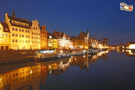 Gdańsk (Danzig) - Długi Pobrzeże (Lange Brücke) - Mottlau-Ufer., Polen, Danzig, Gdańsk, Lange Brücke, Długi, Pobrzeże, Krantor, Mottlau, Albers, Foto, foreal