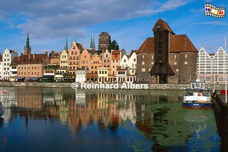Gdańsk (Danzig) - Das Krantor (poln. Żuraw) wurde 1442-44 errichtet, Polen, Danzig, Gdańsk, Lange Brücke, Długi, Pobrzeże, Krantor, Mottlau, Albers, Foto, foreal,