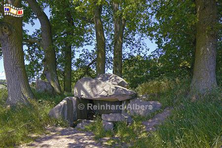 Rügen: Großsteingrab von Lancken-Granitz, Vorpommern, Rügen, Lancken, Großsteingrab, Hünengrab, Granitz, Putbus, Albers, Foto, foreal,
